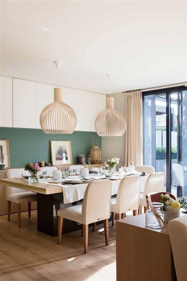 Mesa comedor con colores naturales
