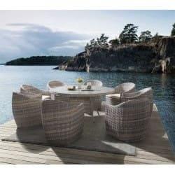 Muebles de exterior con mesa redonda