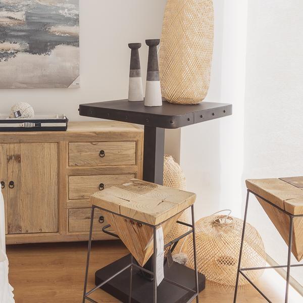 mesa alta y taburete para dos personas